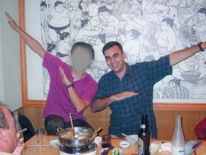 En 2003, en el restaurante con la gente de 3xl.net. Tapo la cara de Usui porque no quería que saliese publicada y hasta que no obtenga permiso de la familia mejor me abstengo de hacerla pública.