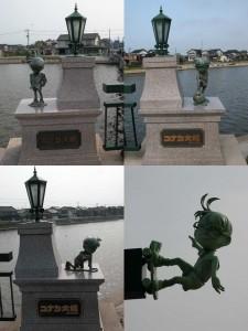 Varias de las estatuas que decoran el puente