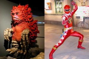 Un muñeco feo (a la izquierda) y un notas vestido de héroe tokusatsero que iba haciendo el gili por ahí y adquiriendo poses tokusatseras a la que veía una cámara apuntándole